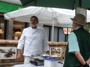 Herr Wagner von St Gilgener Wochen markt am 25.07.2015